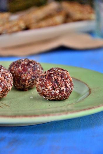 chocolate-coconut-balls-amie
